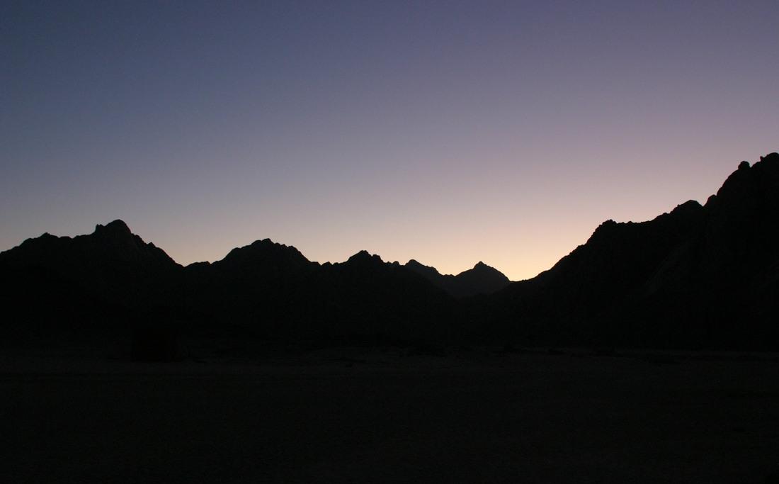 Силуэты гор, Хургада