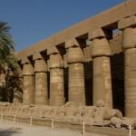 Египет, Луксор, Карнакский храм, внутри: сфинксы
