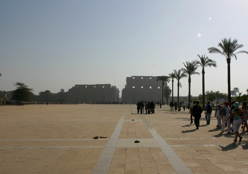 Египет, Луксор, Карнакский храм, площадка перед
