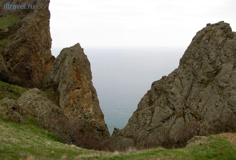 Кара-Даг, вид с хребта Карагач
