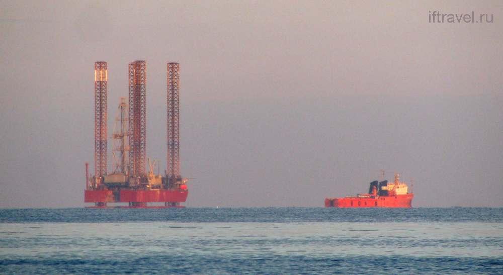 Межводное: нефтяная платформа