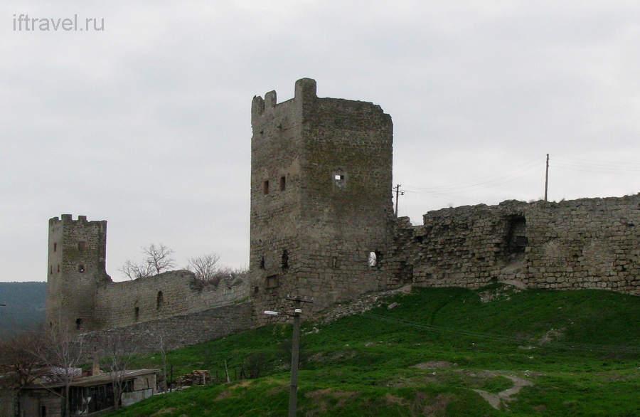 Феодосия, Генуэзская крепость