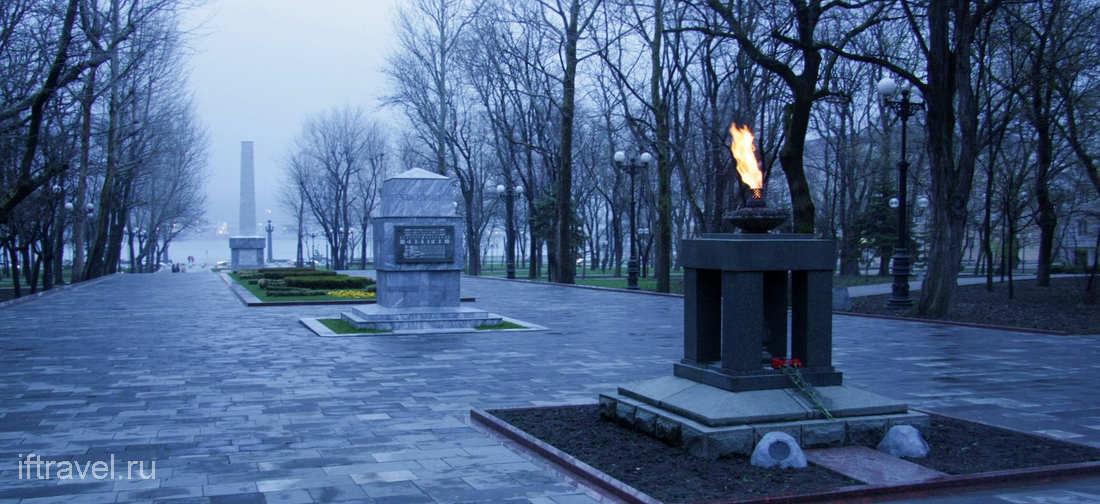 Вечный Огонь, Площадь Героев, Новороссийск