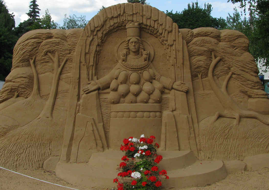 ВДНХ, выставка песчаных фигур, свинобургер