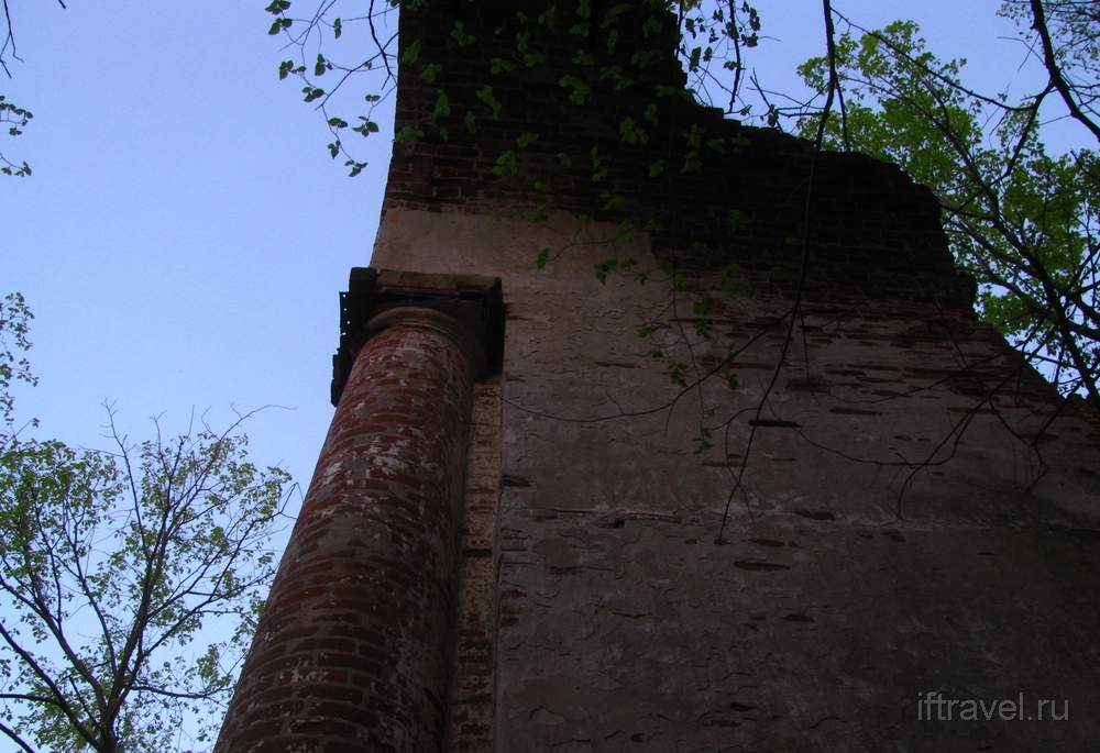 Церковь в Земетчино: детали