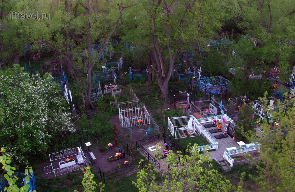Земетчино: деревенское кладбище