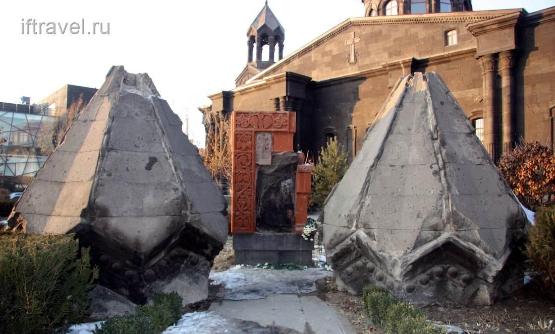 Маковки, свалившиеся при землетрясении