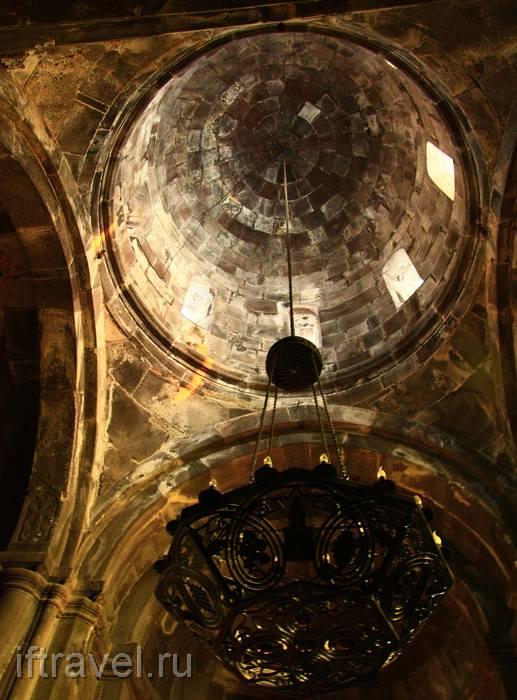 Церковь Катогике, купол