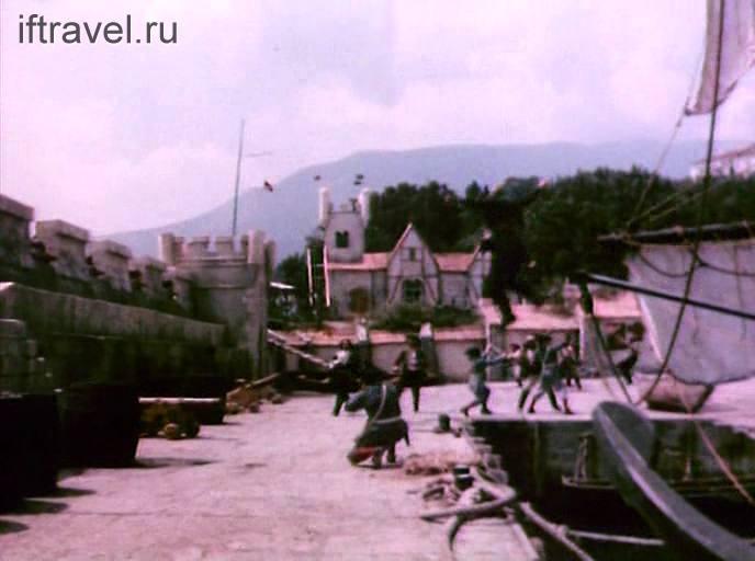 Кадр из фильма: порт на Барбадосе