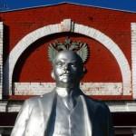 И Ленин... такой молодой!