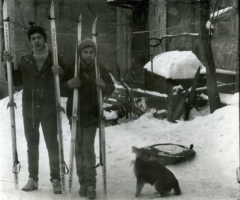Я, братец и собачка Дружок. Январь 1994.