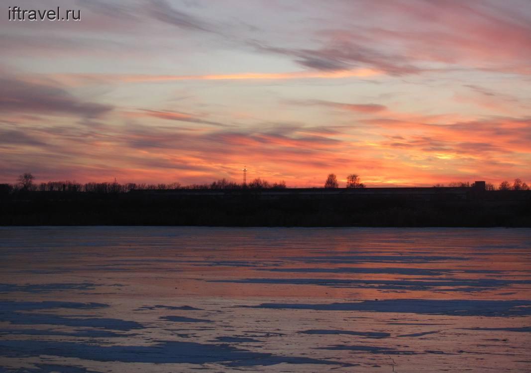 Вечерело: закат над оз. Красным