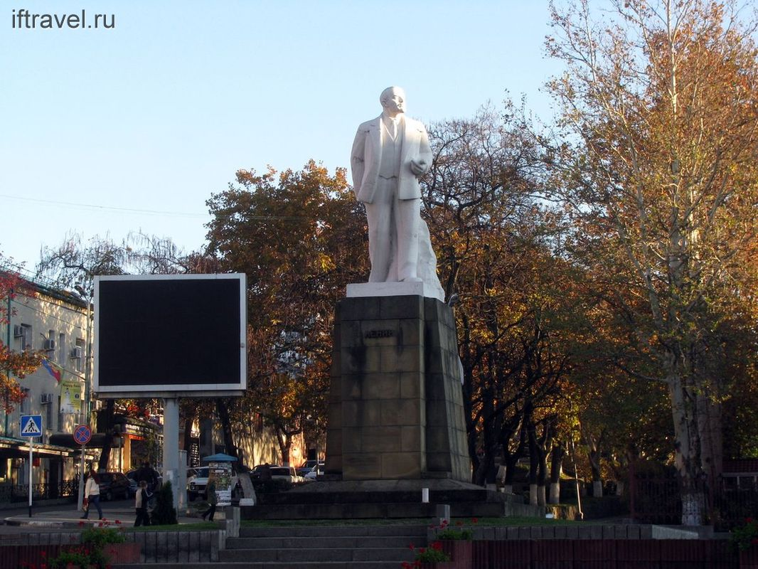 Туапсинский Ленин