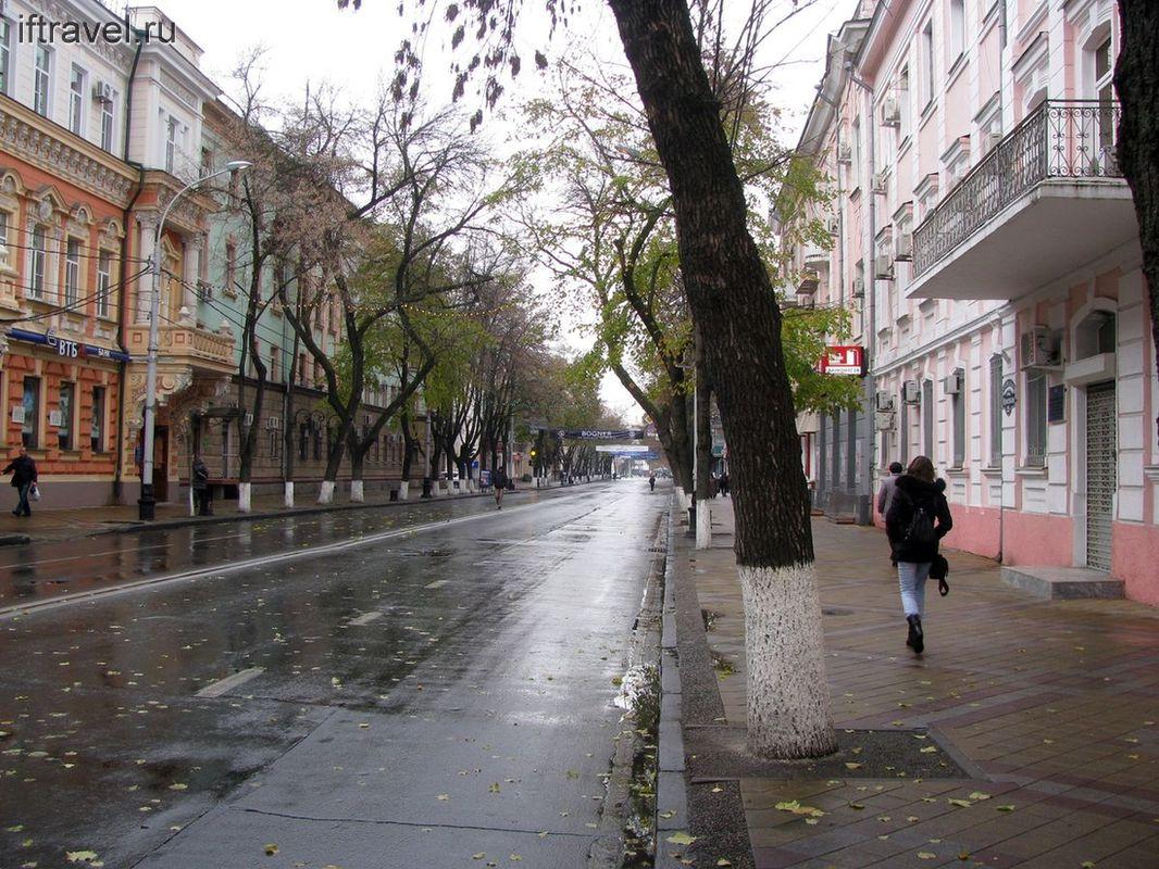 Пустые мокрые улицы Краснодара
