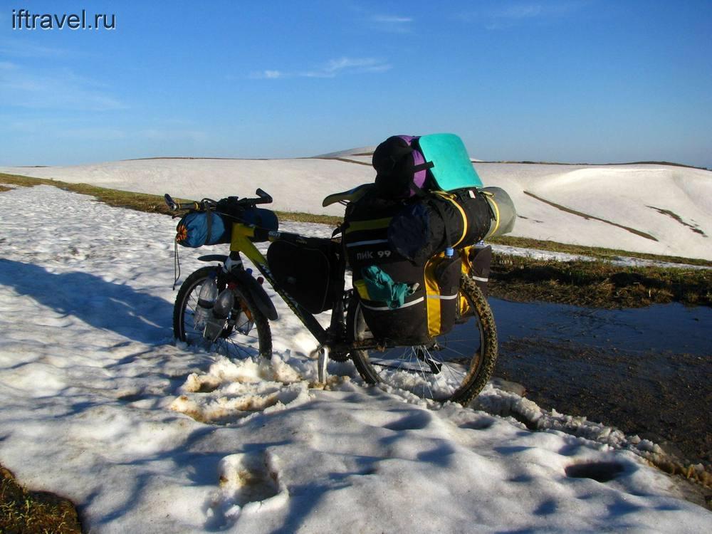 Велосипед в снегах