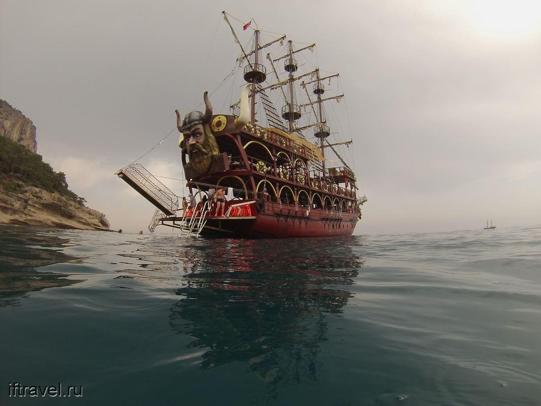 Гоп-яхта, вид с воды