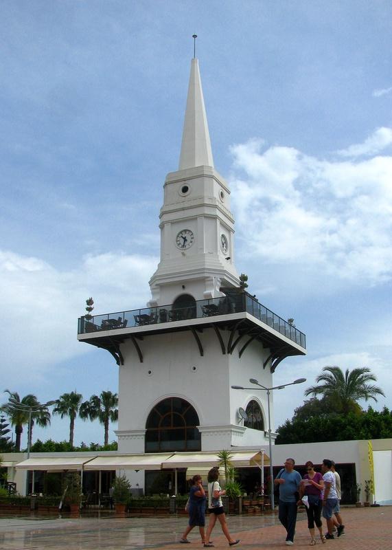 Кемерская башня ака Kemer Tower - главное место встречи