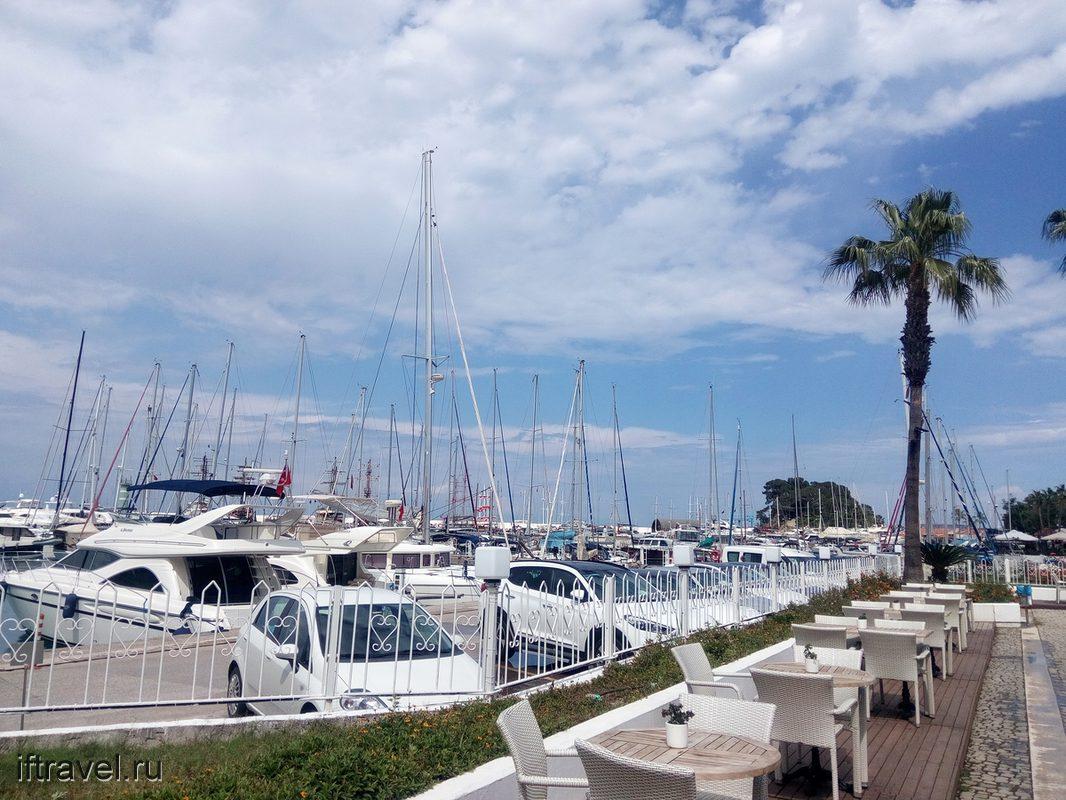Кораблики есть, но в Анталию не ходят