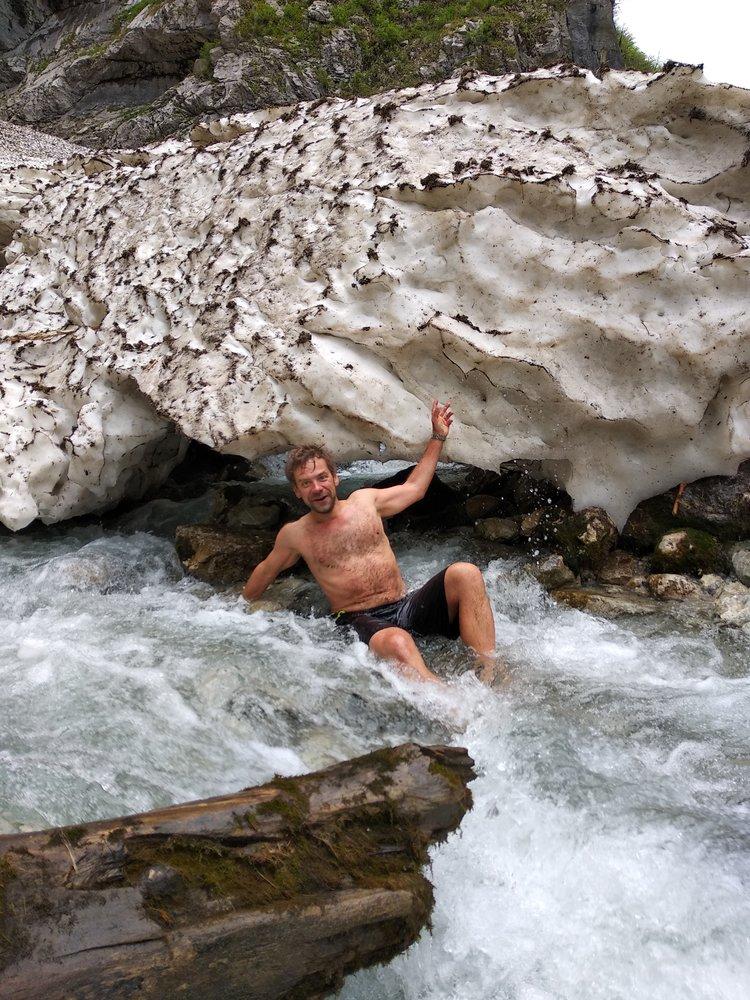 Купание в Гегском водопаде